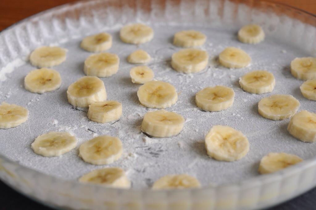 Un gâteau bananes, noix de coco