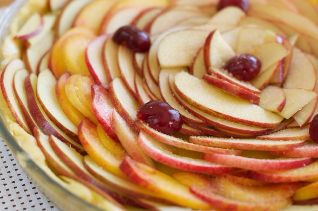 Coller le plus possible les tranches de fruits