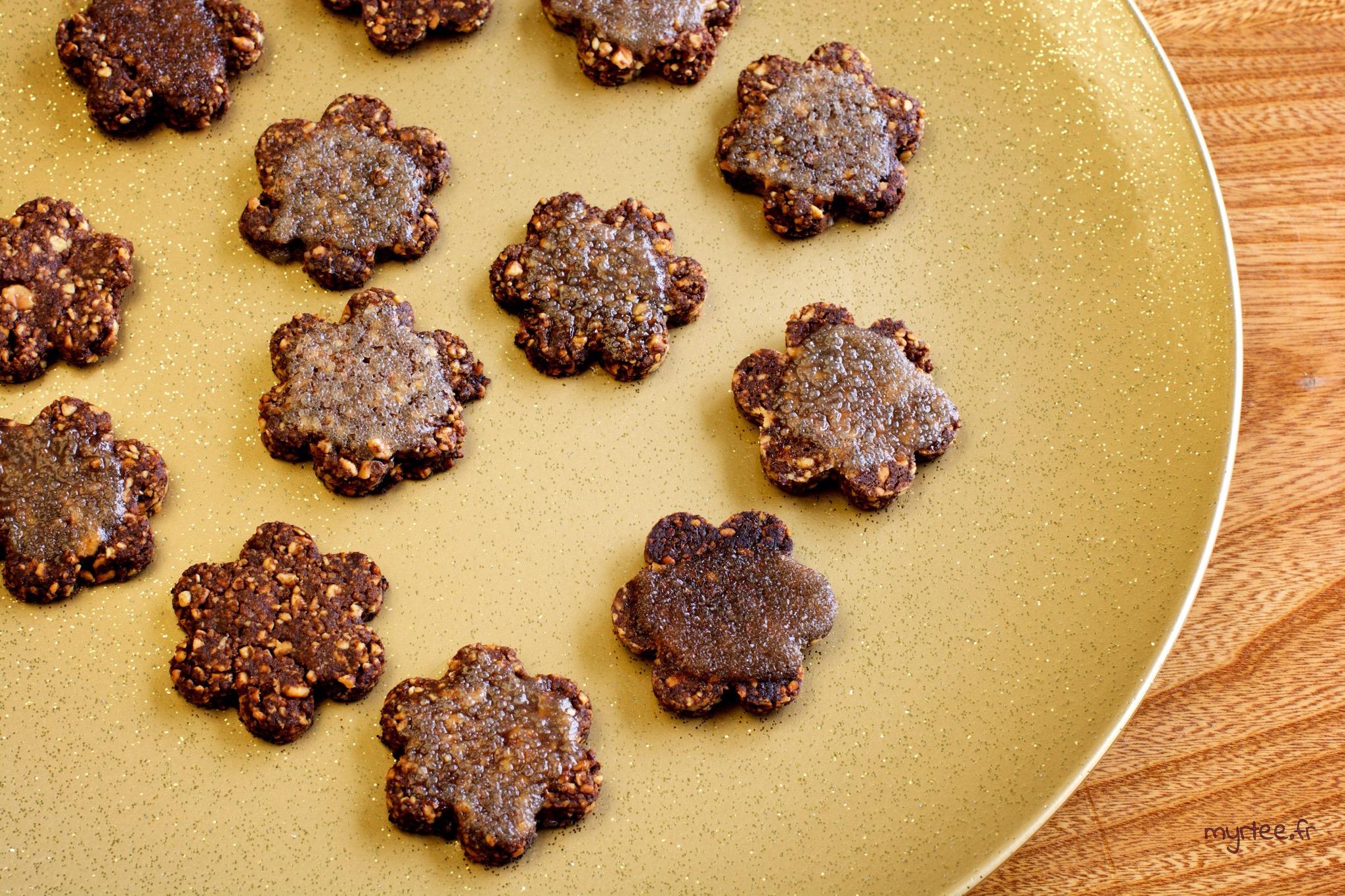 Des biscuits chocolatés aux cacahouètes