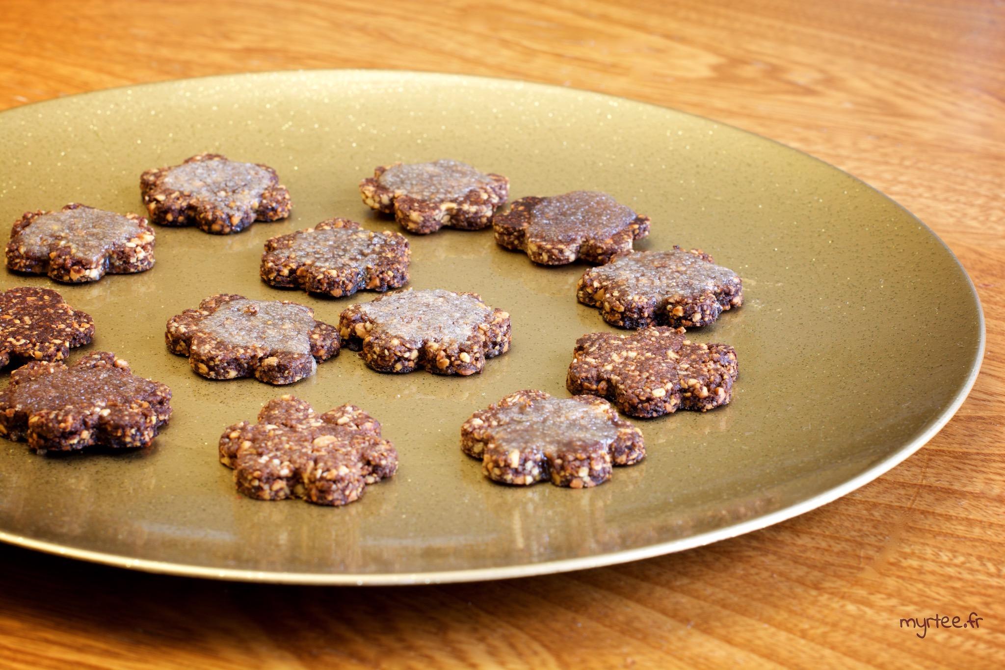 Des biscuits au chocolat et aux cacahouètes