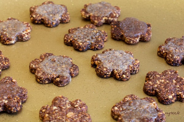 Des biscuits choco-cacahouètes