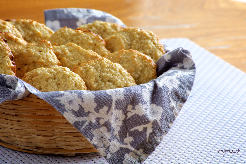 Des biscuits bananes-noix de coco