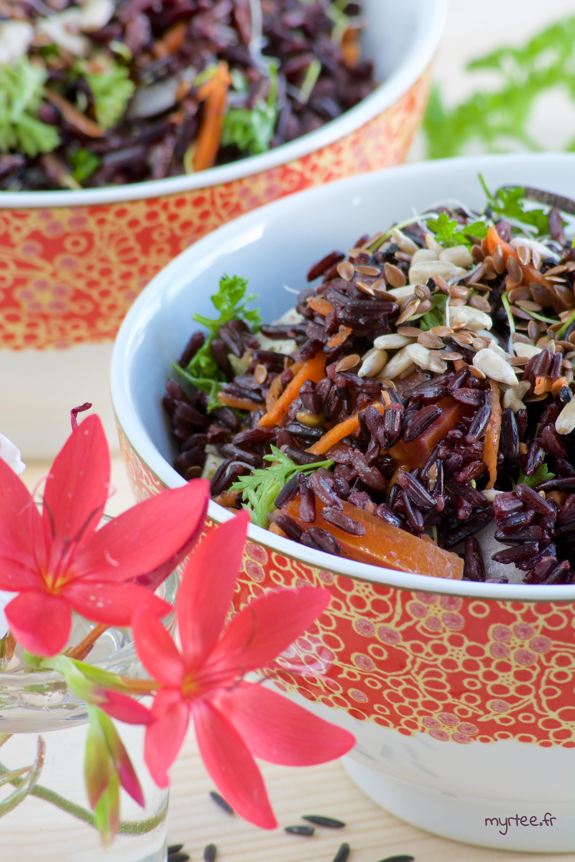 Une salade de riz noir (vegan)