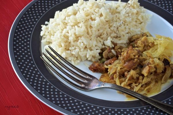 Une courge spaghetti farcie (vegan)
