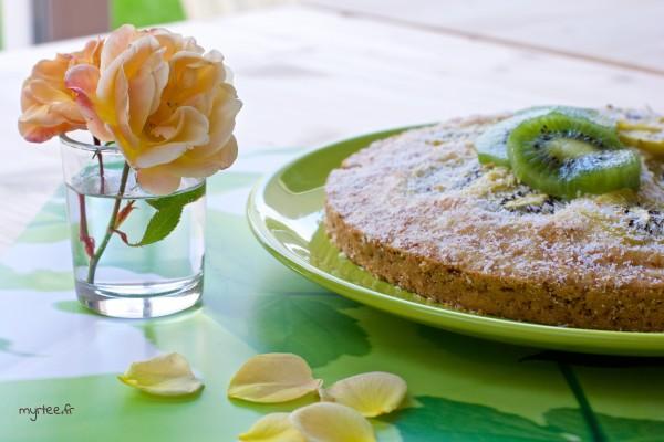 Un gâteau coco-kiwis (vegan)