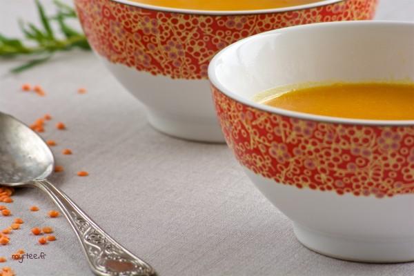Une soupe potimarron et lentilles corail (vegan)