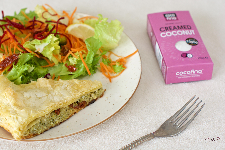 Une tourte brocoli et crème de coco (vegan)